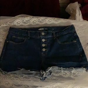Old Navy Boyfriend Cutoffs size not known